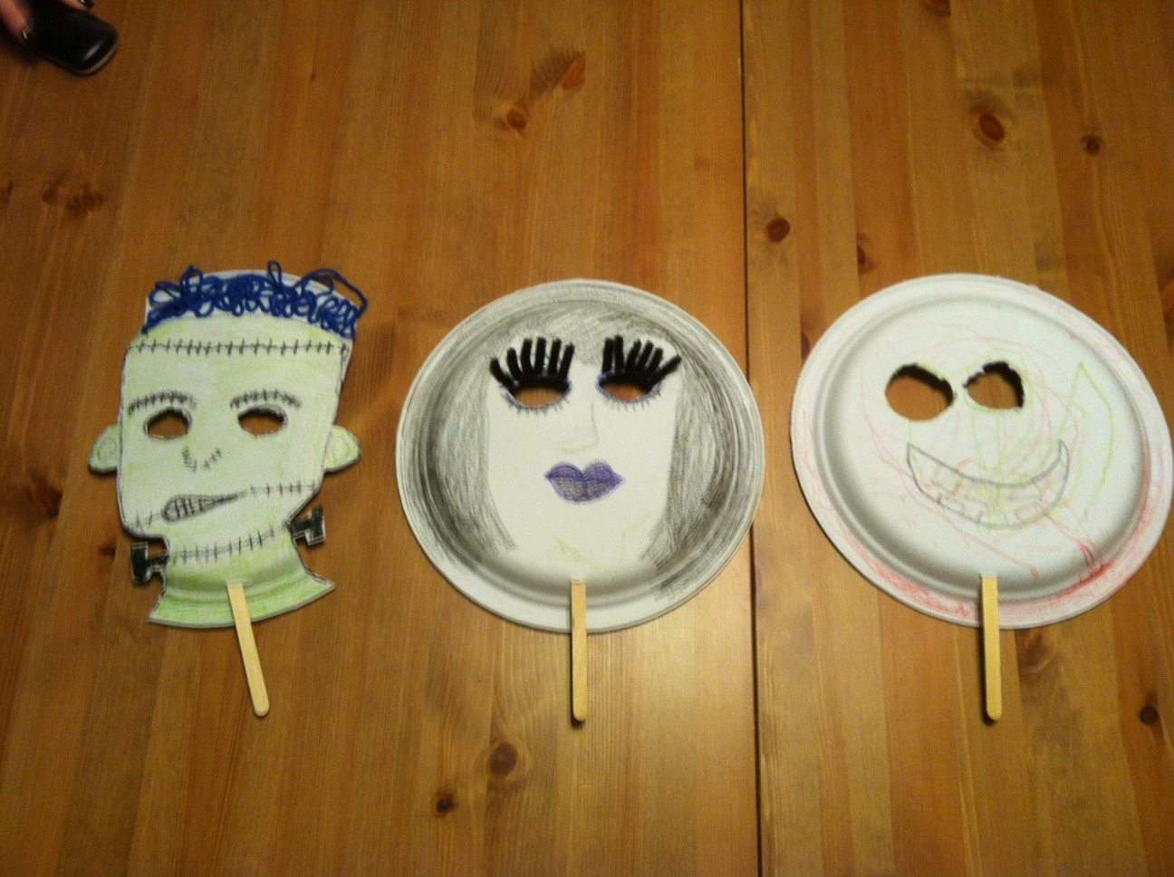 Monster Masks Craft For Kids! (Inspired by Hotel Transylvania)