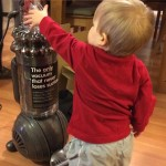 Dyson_Vacuum_Toddler