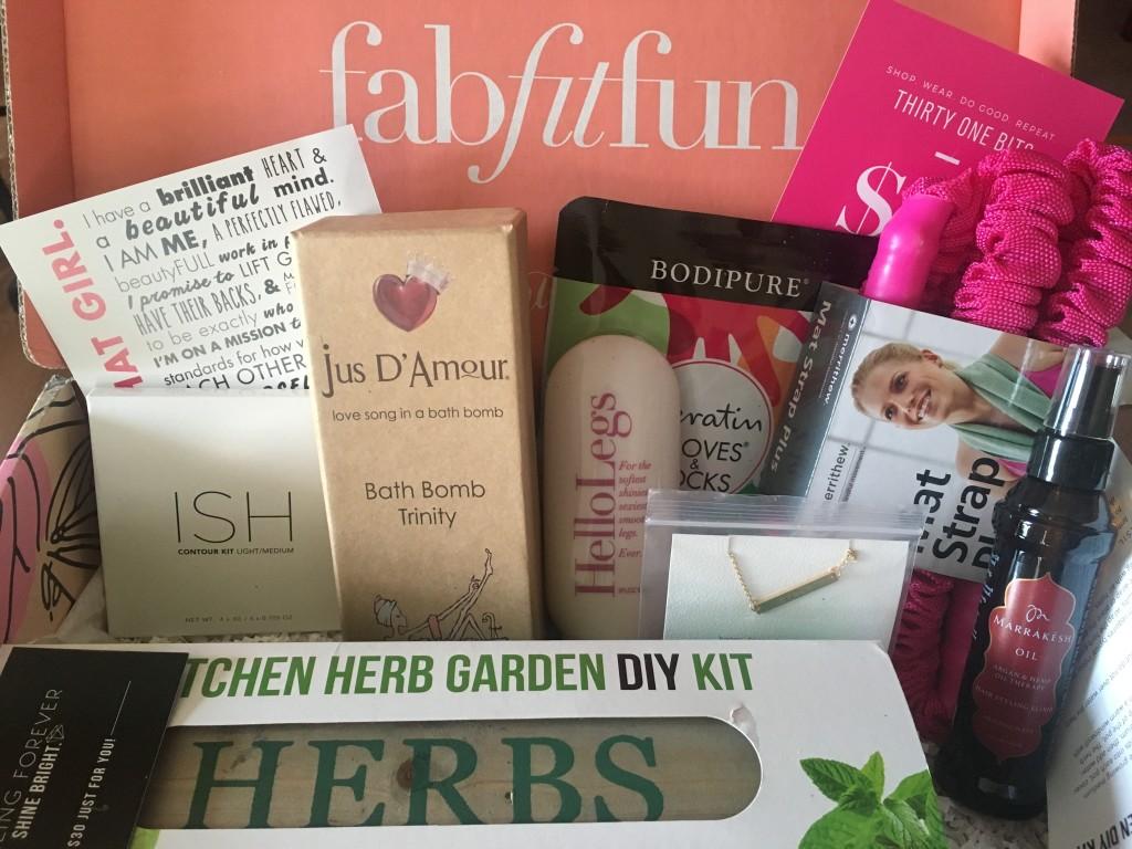FabFitFun Spring Box Plus A $10 Coupon Code - Tools 2 Tiaras